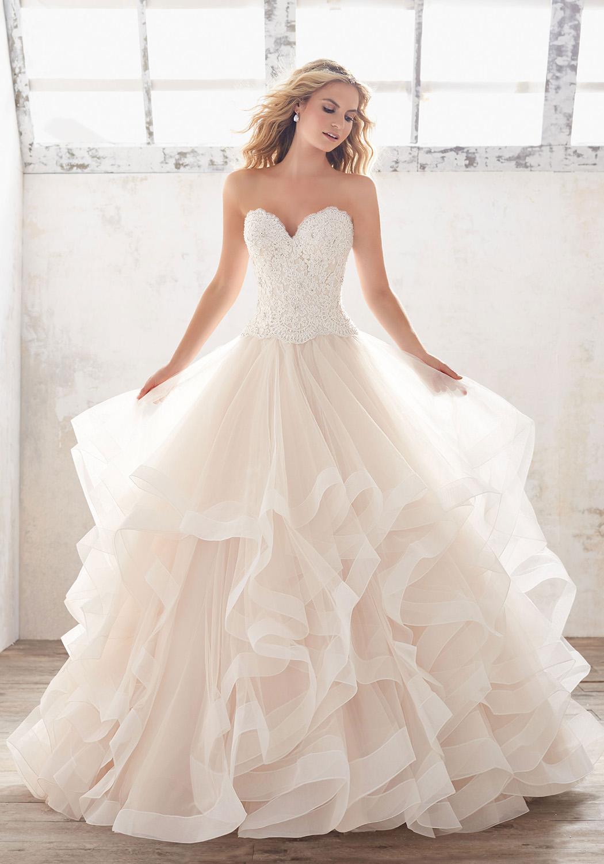 Carmen Szalon Pécs - Menyasszonyi ruhák 2018 fe2d30cf43